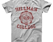 Hillman College Seal Maroon Retro 80S School Costume Pride Uniform Men's T-Shirt DT0113