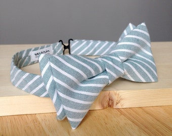 Light gray/blue bowtie - recycled vintage cotton- groomsmen - rustic wedding - southern gentleman