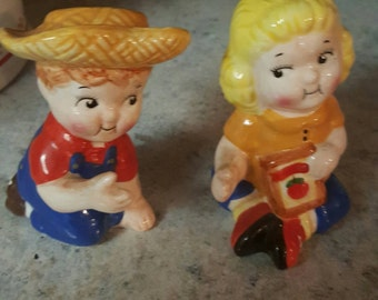 Campbell Soup Kids salt and pepper shakers, vintage campbells, soup kids, collectable vintage, campbells vintage, vintage salt and pepper