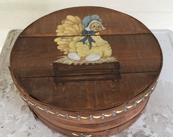"""Vintage round wood cheese box, tole painted 15"""" rustic farmhouse country box"""