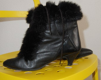 Vintage faux-fur ankle boots, 80s witchy granny booties size EU 41 / US 10
