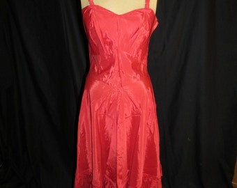 1950s Val Mode Red Slip Size 34