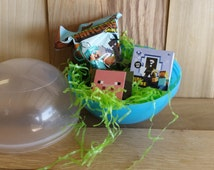 Minecraft figures in a Jumbo Surprise Egg / Power ball - Minecraft mystery items.