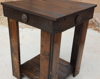 Pallet end table made from used pallets.