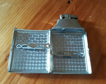 "Vintage Ronson Cigarette Lighter and Cigarette Case All In One ""Mastercase"""