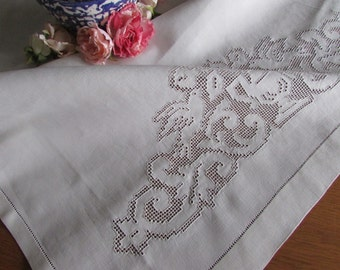 Vintage High Quality Italian Linen Tablecloth -  Italian Punchwork Runner - Antique Linen - Mosaic Work - Italian Linen