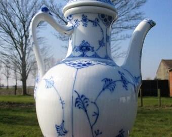 Gorgeous Fluted Tea Coffee Pot Marked Royal Copenhagen Denmark 519 Blue White