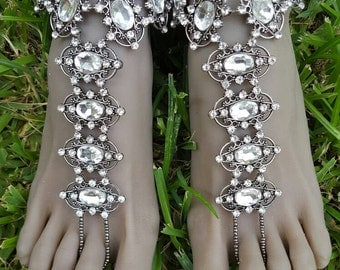 Glamorous Vintage-inspired Silver-tone Clear Rhinestone Jeweled Barefoot Sandals