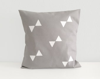 Cushion cover large triangles
