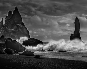 Crashing Waves in Iceland
