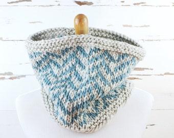 bulky herringbone cowl // hand-knit neckwarmer // gray and blue colors