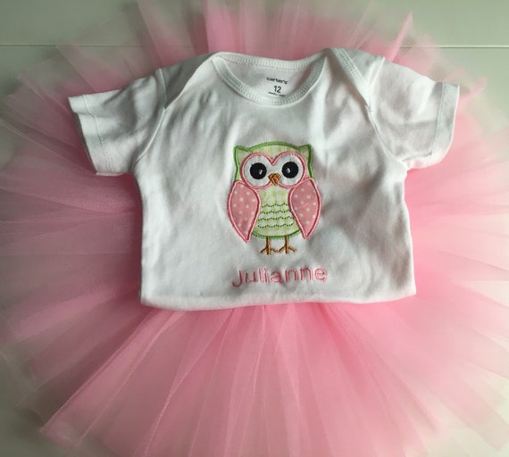 Baby girls clothes, 3 piece, owl outfit set, size preemie. This outfit set is Carter's brand and is new with tags. This set includes a short sleeved bodysuit, a long sleeve bodysuit (with cuffs on the.