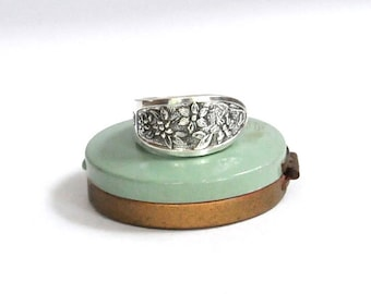 dogwood ring, spoon ring, flower ring, canada ring