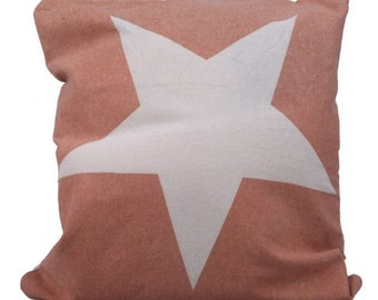 Americana Faded Star in Red - Pillow Cover