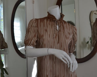 1960's / 1970's Brown & White Blouse