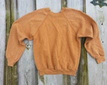 """Size S cotton poly blend 70s vintage raglan sleeve thin sweatshirt solid color cognac caramel Made in USA / Length 23""""/58cm"""
