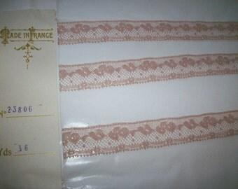 By the Bolt  wholesale this tea with cream color cotton lace alencon