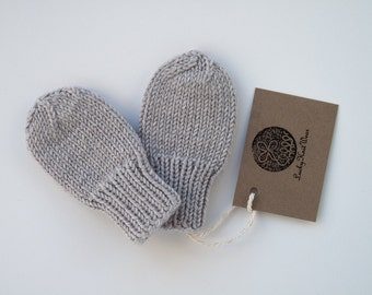 MADE TO ORDER/ Hand knitted baby mittens