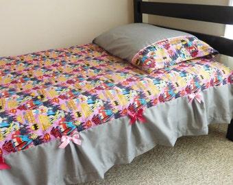 Super Girl Twin sheet and pillowcase set, wonderwoman twin sheet, batgirl twin sheet, supergirl pillowcase, wonderwoman pillowcase