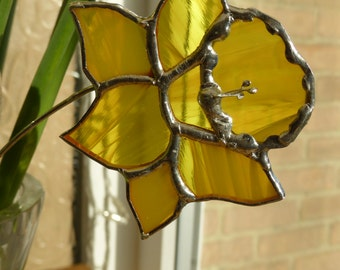 Stained glass daffodil spring flowers - made to order