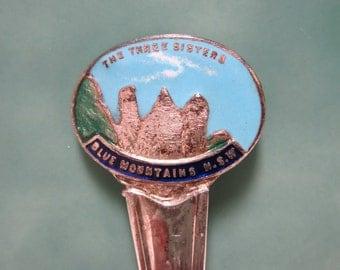 Vintage Souvenir Spoon  - Katoomba- The Three Sisters - Blue Mountains - NSW - Australia