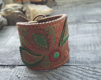 Leather bracelet. Brown leather bracelet. Cuff bracelet. Leather cuff. Boho bracelet. Bohemian bracelet. Boho cuff. Embroidered bracelet.