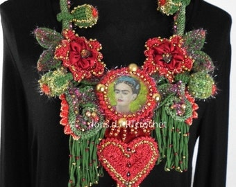 EXTRAVAGANT artist crochet chain, portrait of Frida Kahlo, wearable art, opulent, statement necklace, slow fashion, necklaces, handmade in germany