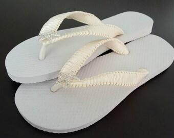 Starfish Bridal Flip Flops, Cariris Flip Flops, Ivory Flip Flops, Bridesmaid Flip Flops, Flower Girl Flip Flops, Beach Wedding