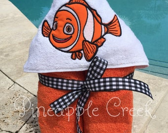 Nemo Hooded Towel NAME INCLUDED