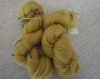 Icelandic pure wool, hand dyed with Rheum rhabarbarum 240915-61