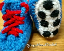 Crochet blue cleats.Newborn  to 6mo old free shipping.