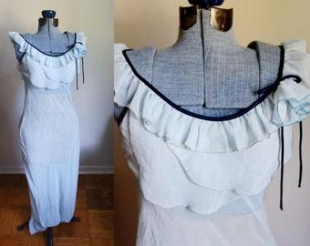 Small / medium - Beautiful Light Blue Razaz Nightgown