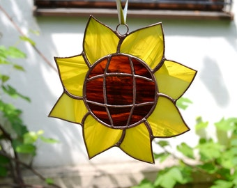 Summer Outdoors Sunflower Decor Suncatcher Stained Glass Gardener Gift for Mom Lover Decoration Ornament Window Hanging Yellow Kitchen