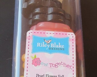 """Back to School 20% off Riley Blake Sew Together 1.5"""" Flower Buttons - Fall Colors"""