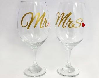 Wedding Wine Glasses - Mr and Mrs - Wine Glasses - Wedding Gift - Anniversary Gift - Bride and Groom Wine Glasses - Bride and Groom Gift