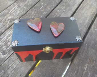 Two Hearts Box
