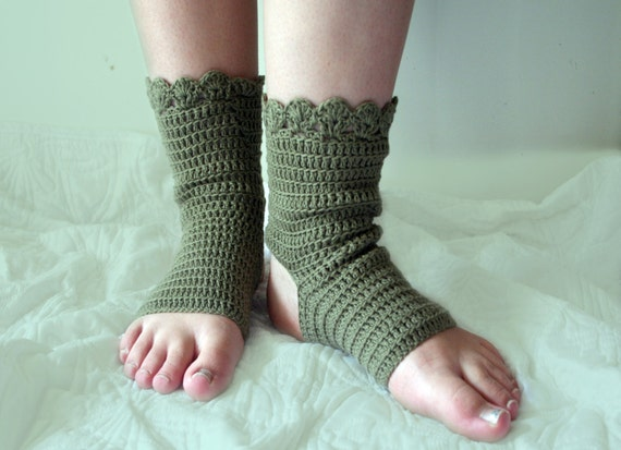 Crochet Yoga Socks : Yoga socks Ballet socks Crochet pattern by CrochetMonkie on Etsy