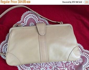20% OFF On Sale, Palizzio Handbag, Desiner Purse, Vintage Beige Leather Bag, Very New York