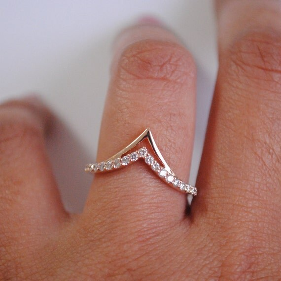 Chevron Stackable Bridal 14k Gold And Diamond Wedding Band