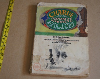 Vintage 1977 - Charlie and the chocolate factory by Roald Dahl paperback book