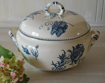 Antique french  soup blue and craeam tureen with lid UC Sarreguemines pattern feria 1900's