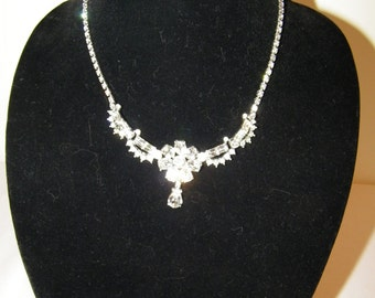 Vintage Rhinestone Daisy Flower Necklace