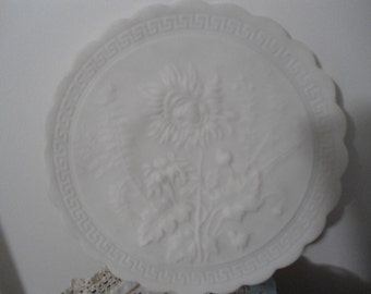 Elegant Vintage Ivory Smooth Angel Skin Textural Sunflowers Charger Plate in Excellent Condition