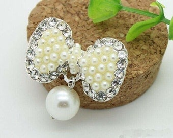 1 pcs White Bow Pearl Buttons,White Rhinestone Pin,Flower Center Brooch,Diy Supplies,30mm*28mm,T15