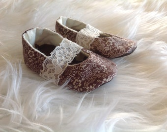 Brown baby shoes with lace, baby booties, Mary Janes, reclaimed leather, leather baby shoes