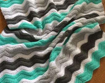 Crochet baby blanket ripple/chevron gray mint green