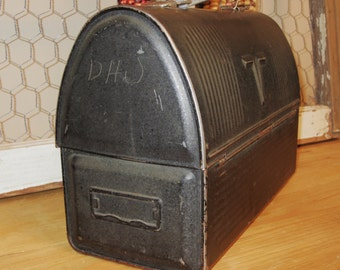 Vintage Black Metal Lunch Box With Black Handle by American Thermos Bottle Company