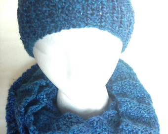 2 Set Accordion Slouchy Colonial Woman Knitted Hat