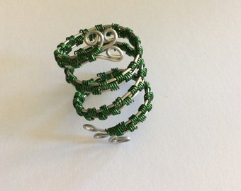 Wire weaved ring