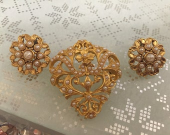 Beautiful Vintage Signed Earrings and Brooch Set, Demi Parure, Faux Seed Pearls, For Pierced Ears.